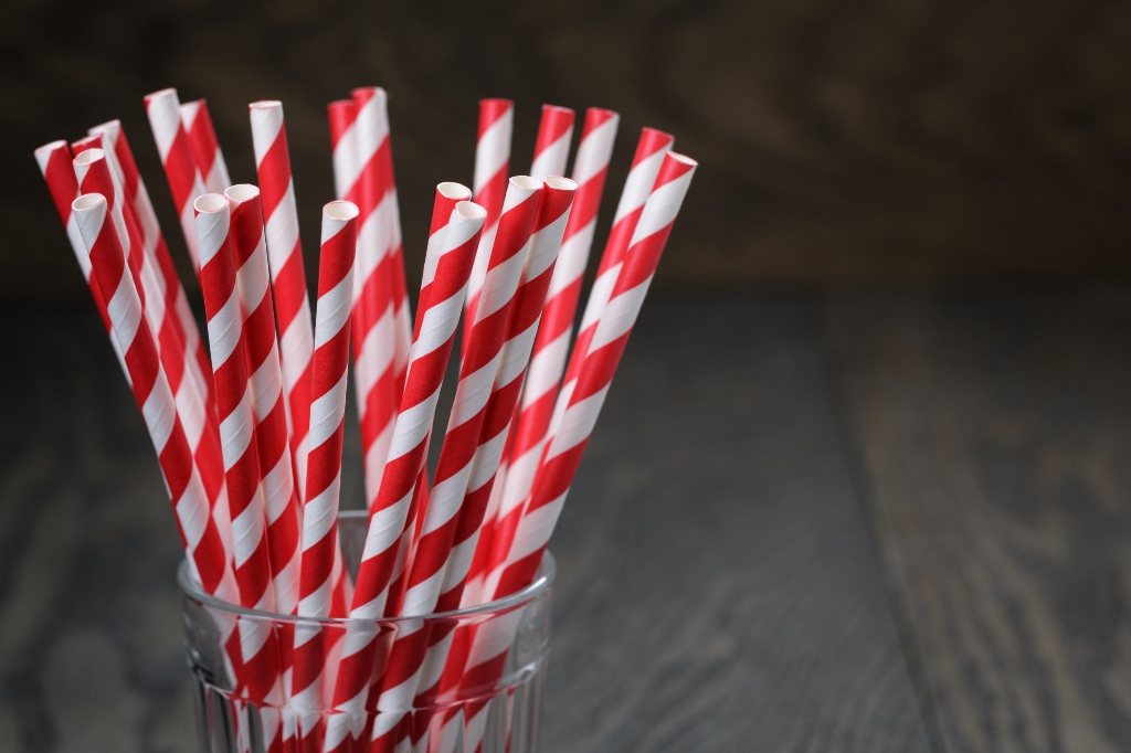 Paper-Straws-Restaurant